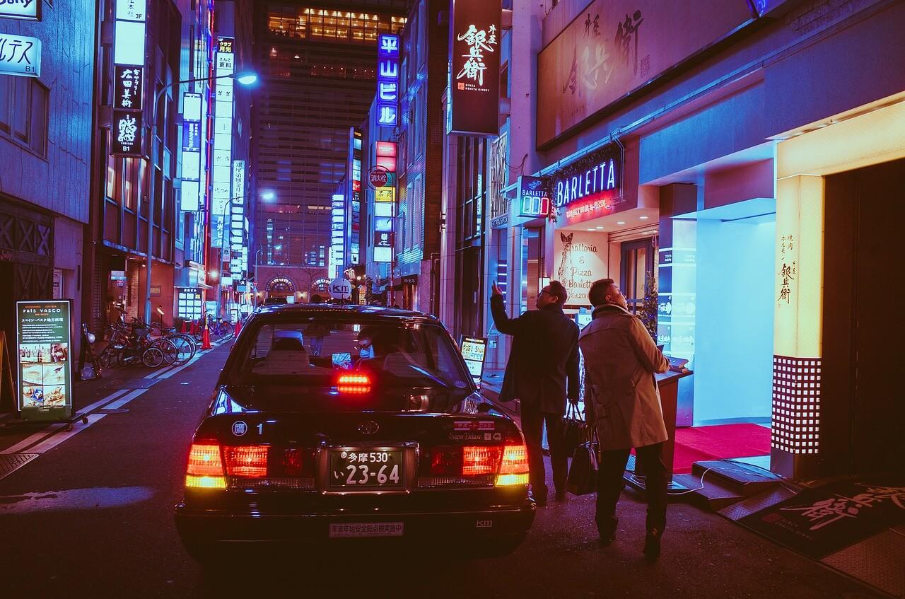 東京タクシー運転手の勤務時間と休日の基本情報