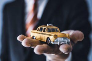 【2分で読める】タクシー転職に必要な知識と適正!はじめてのタクシー運転手のメリットとデメリット